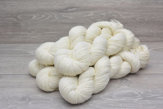 4ply 75% Superwash Wool 25% Nylon  Yarn 5 x 100gm Pack