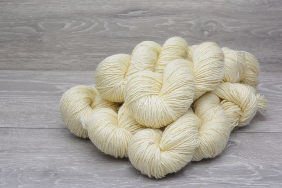 DK Superwash Bluefaced Leicester Wool Yarn 5 x 100g Pack